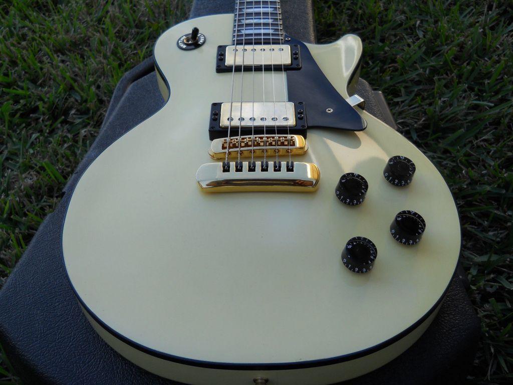 '89 H150 - Antique White